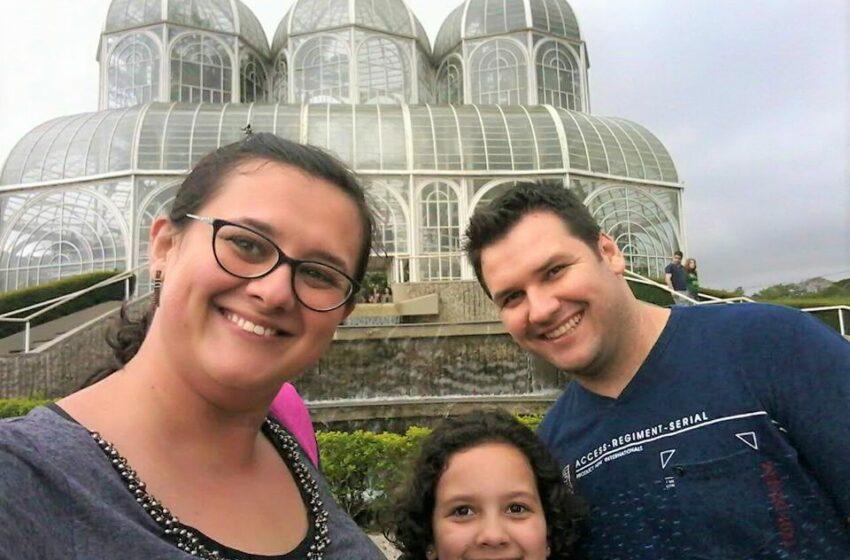 """Família de Arapongas faz """"vaquinha"""" para pagar tratamento da jornalista Adriana Roveri"""