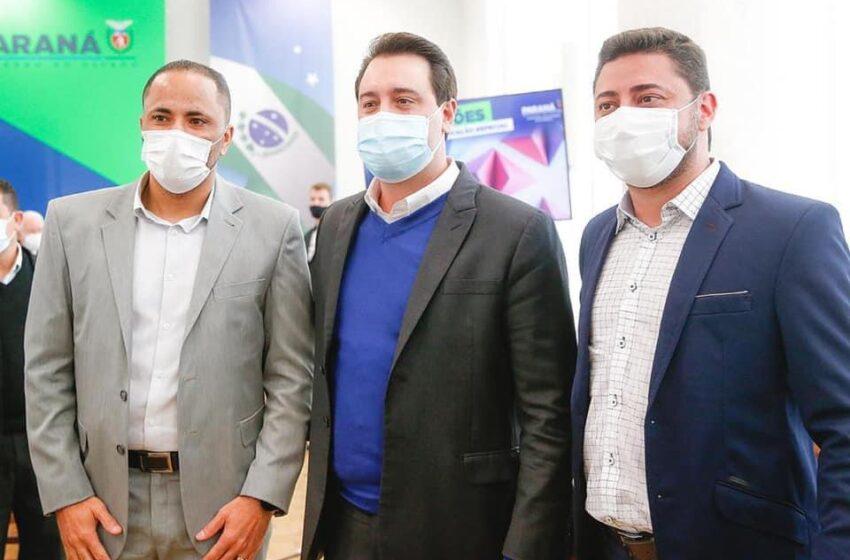 Deputado Do Carmo participa junto ao Governador Ratinho de evento com o prefeito de Jandaia do Sul