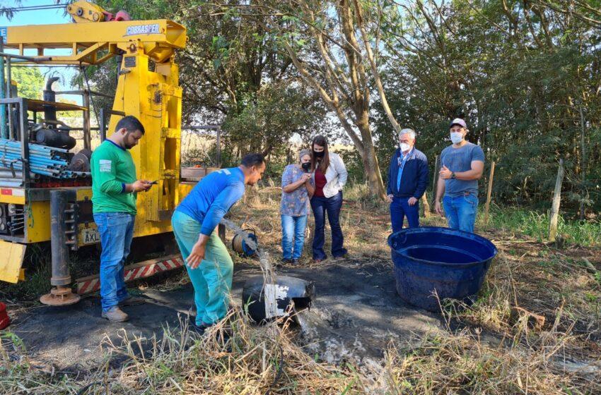 Após 20 anos de espera, prefeita solucionou problema de moradores com água de poço em São João do Ivaí