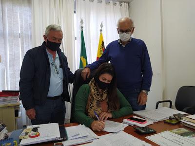 Prefeita de São João do Ivaí anuncia pagamento da primeira parcela do décimo terceiro