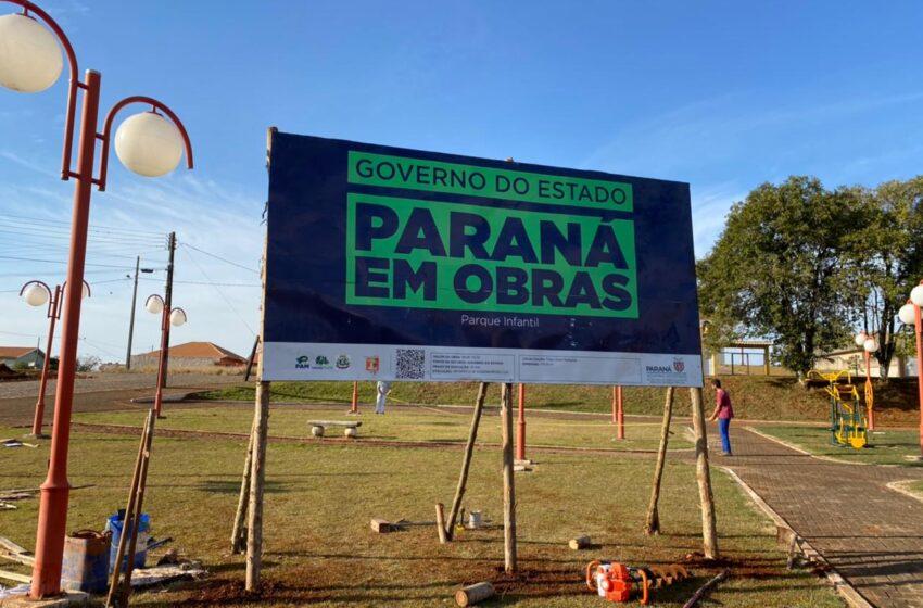 """Prefeito anuncia construção de parquinho e portal com letras """"Eu Amo Ariranha do Ivaí"""""""
