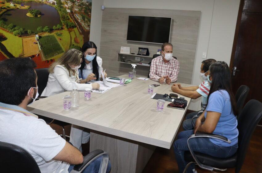 Prefeito Carlos Gil assina desapropriação complementar de terreno que será doado ao Estado para construção do AME
