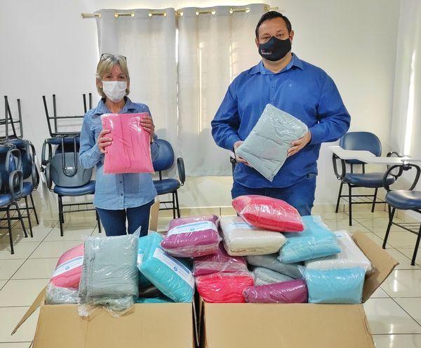 Prefeitura de Lunardelli iniciou entrega de cobertores para famílias em situação de alta vulnerabilidade