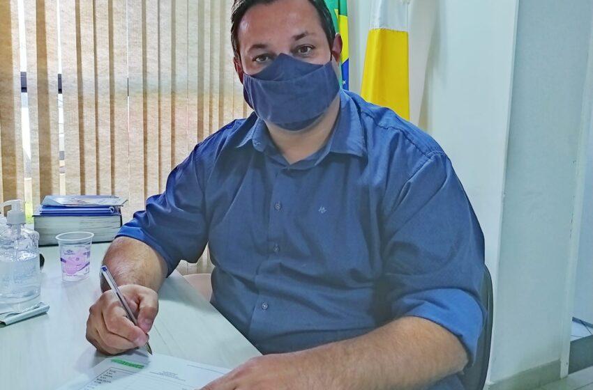 Prefeito de Lunardelli antecipa primeira parcela do 13º aos servidores municipais