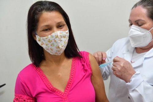 Covid-19: Vacinação para pessoas com 35 anos ou mais começa nesta quarta-feira, 14