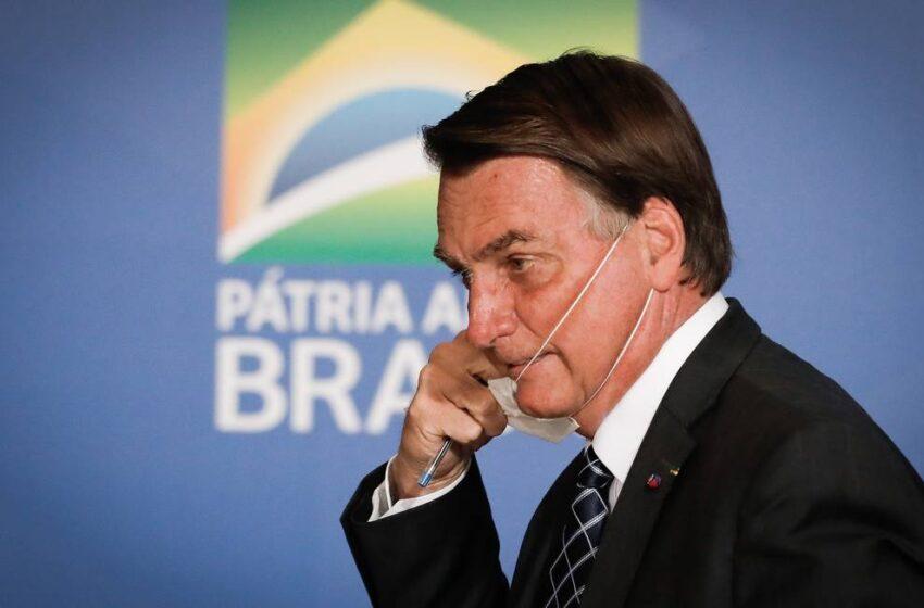 Bolsonaro volta a questionar a eficácia da Coronavac; Doria responde com dados
