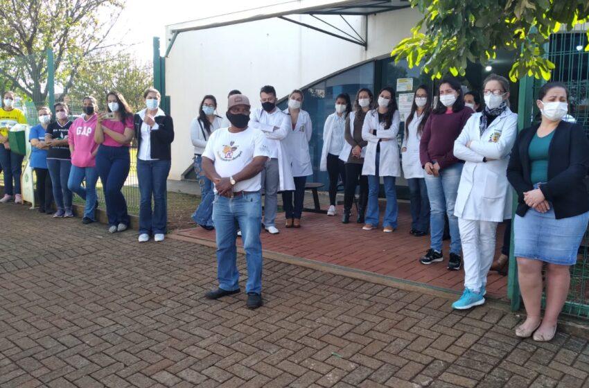Em meio a desafios, equipes da saúde foram homenageados pelas crianças em Cruzmaltina