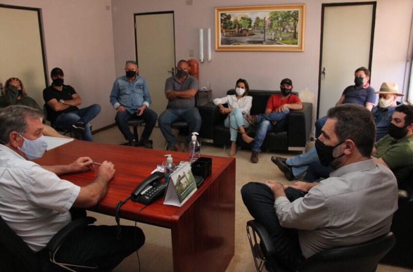 Enio Verri se reúne com lideranças de Kaloré e recebe demandas da agricultura e educação