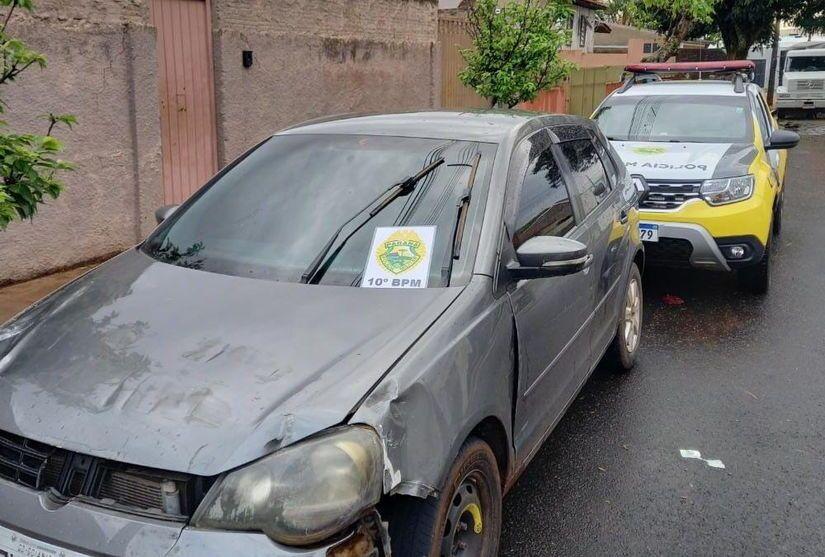 Dois elementos foram presos com um carro roubado e drogas em Cambira