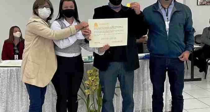 Colégio de Marumbi recebe certificado ouro por aumento do IDEB