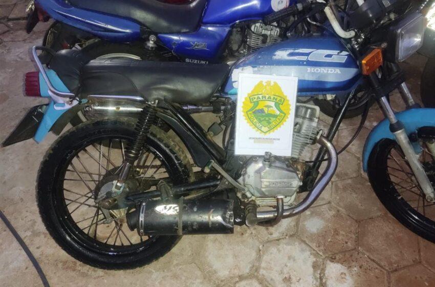 Jovem com diversas passagens pela polícia é preso pilotando motocicleta com chassi adulterado, em Rio Bom