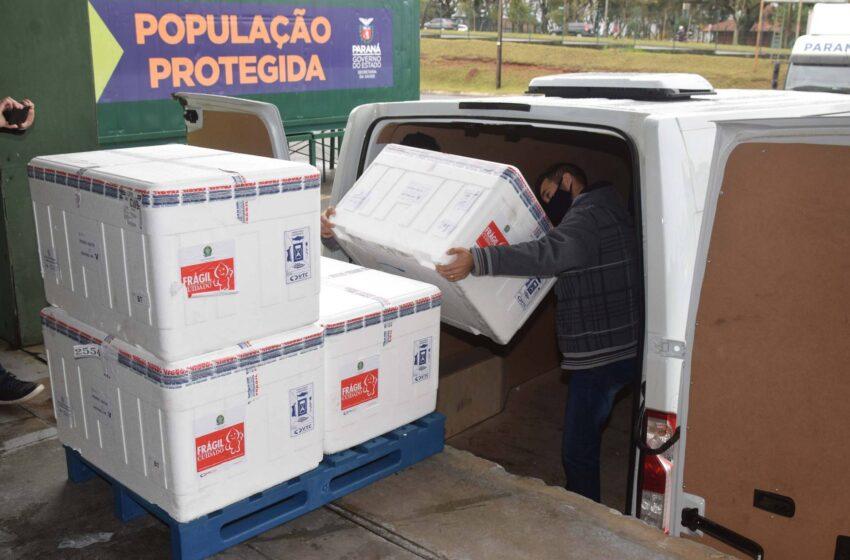 Novo lote com 311.780 imunizantes contra a Covid-19 chega ao Paraná na segunda-feira