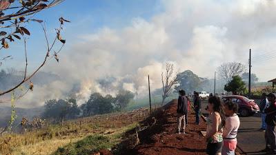 Incêndio atinge plantação de milho em Lunardelli
