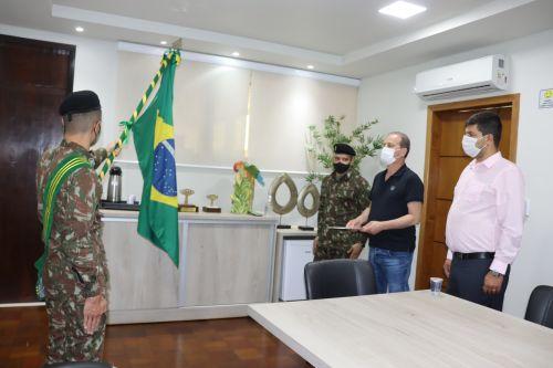 Prefeito Carlos Gil toma posse como presidente da 244ª Junta Militar de Ivaiporã
