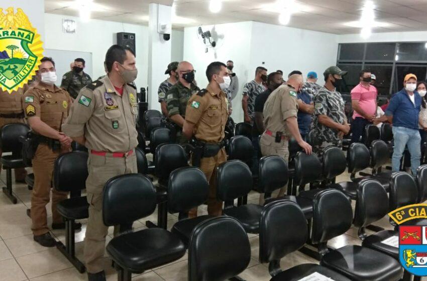 Policiais militares que auxiliaram no resgate de vítimas de embarcação que virou no Rio Ivaí são homenageados