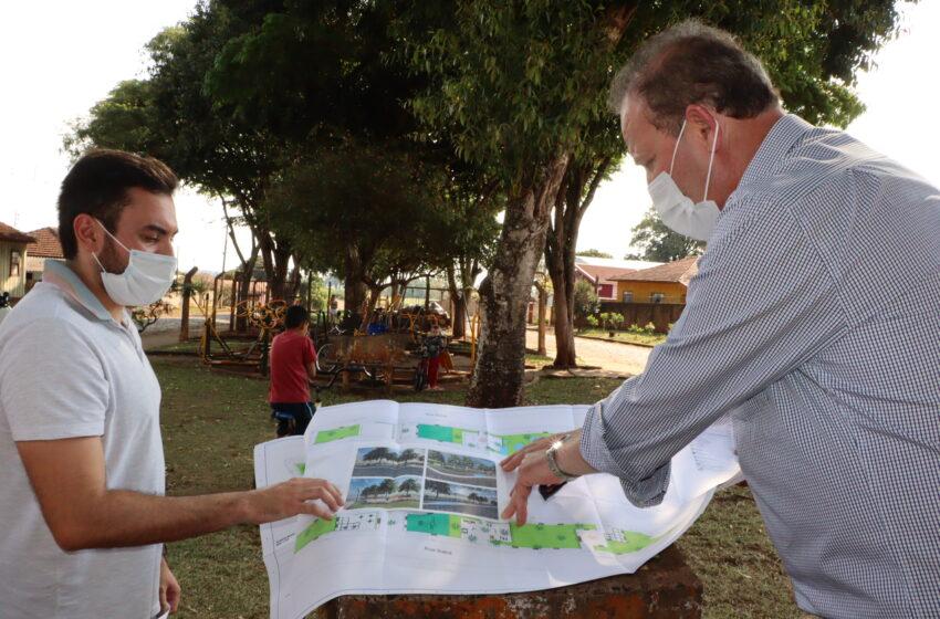 IVAIPORÃ – Prefeito apresenta projeto da Praça do Alto Porã