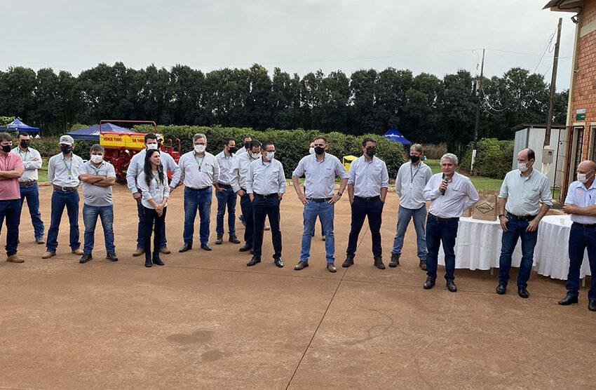 Cocari realiza Dia de Campo sobre pós geada do café no Centro Tecnológico, em Mandaguari