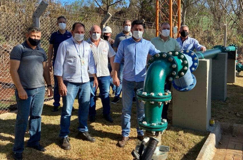 Novo poço deve garantir abastecimento em Jandaia do Sul Autoridades visitaram obras e conheceram detalhes dos empreendimentos