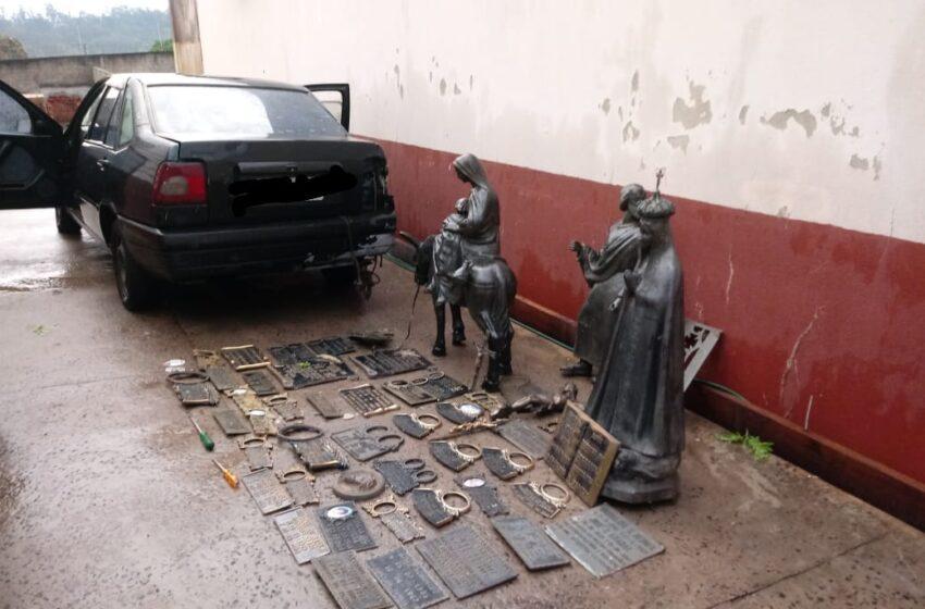 Casal é preso após furtar peças de bronze no cemitério de Jandaia do Sul