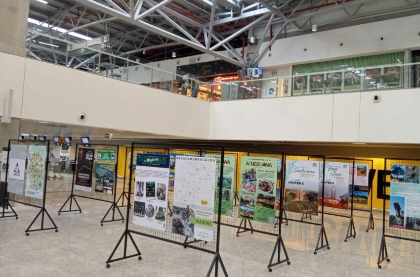 Exposição das belezas do Vale do Ivaí no saguão do Aeroporto Internacional Afonso Pena