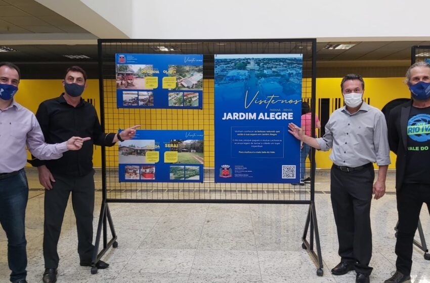 Exposição fotográfica no Aeroporto Afonso Pena mostra atrações turísticas do Vale do Ivaí
