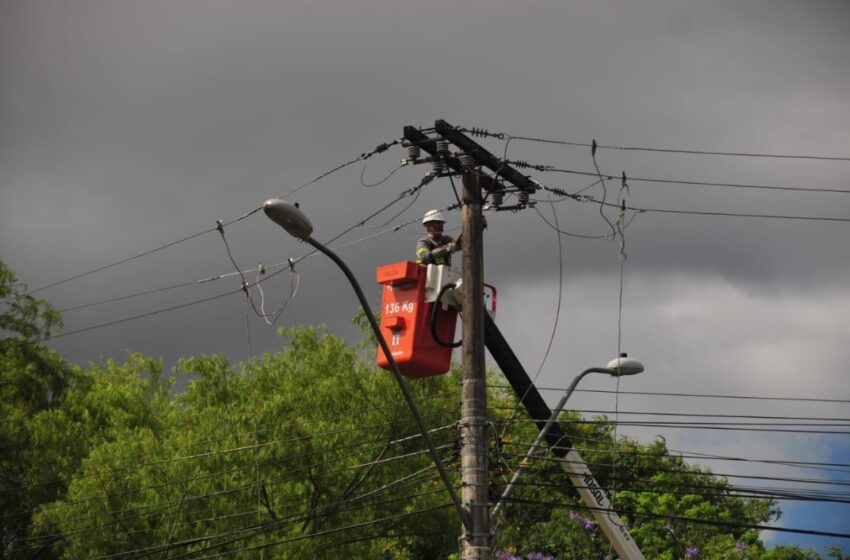 Copel informou que 48 mil domicílios ficaram sem energia na região Norte