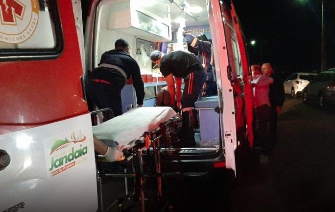 Segurança de bar foi baleado no pescoço em Jandaia