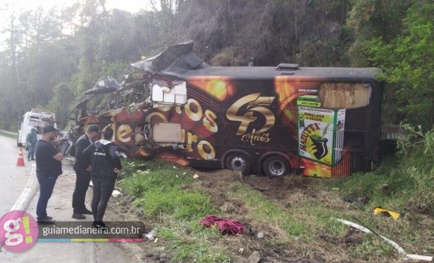 Vocalista da banda Garotos de Ouro morre em acidente com ônibus em Santa Catarina