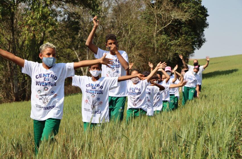 Departamentos de Meio Ambiente e de Assistência Social de Ivaiporã levam cerca de 200 crianças à Estação Ecológica Faian