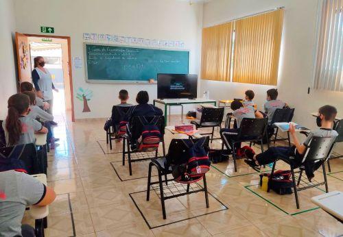 RIO BOM – Volta às aulas presenciais na rede municipal de ensino será de forma gradativa