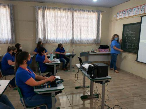 Prefeitura estimula desenvolvimento contínuo dos professores em São Pedro do Ivaí