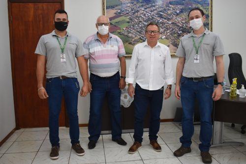 RIO BOM – Prefeito recebe gerente da nova unidade da Cocari