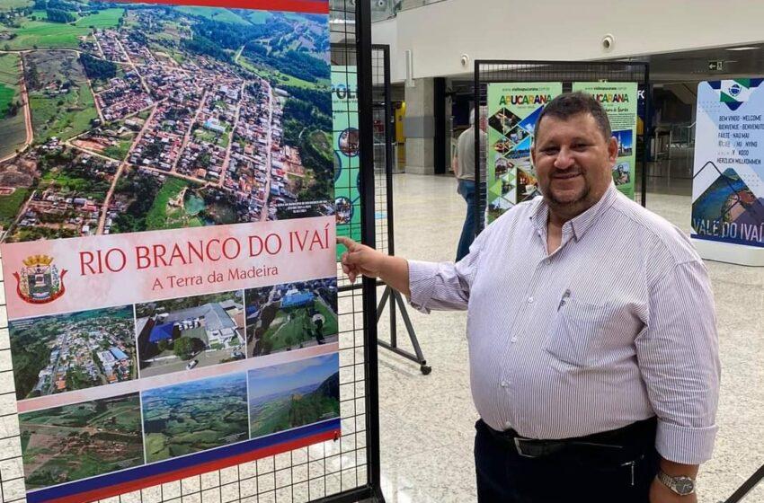 Prefeito Pedro Taborda participa da abertura de exposição do Vale do Ivaí no Aeroporto Afonso Pena