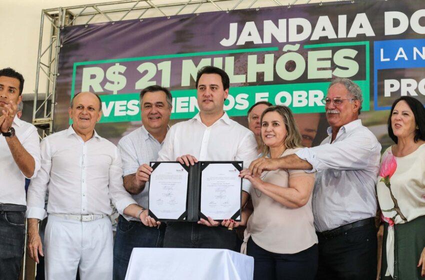 VÍDEO – Ratinho Júnior concede coletiva na entrega de investimentos em Jandaia do Sul