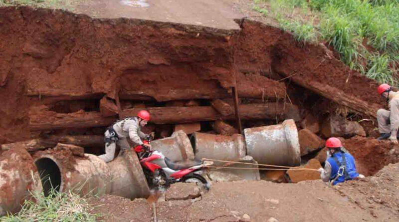 Motociclista morre ao cair em um afluente do Rio Pindaúva, em Ivaiporã