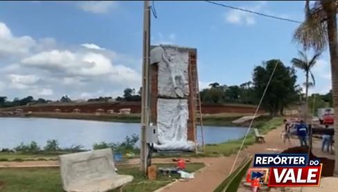 FAXINAL – Monumento é instalada no Lago Saracura