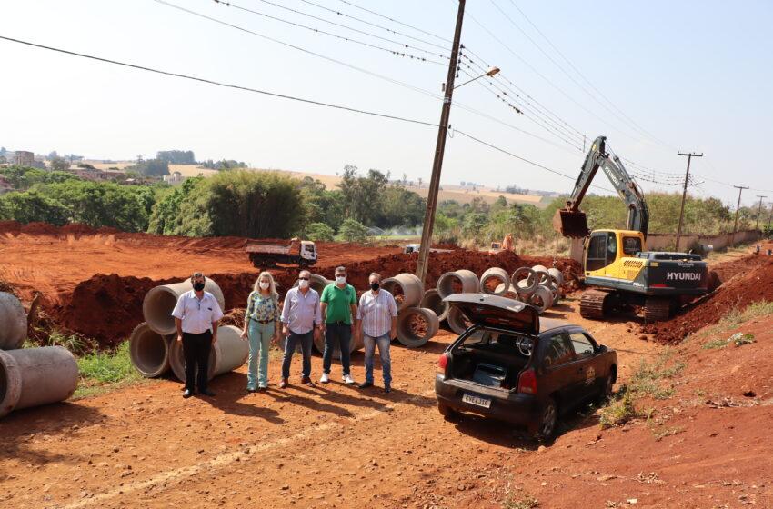 Prefeitura de Ivaiporã inicia 600 metros de galerias de águas pluviais na Rua Luís Fabo