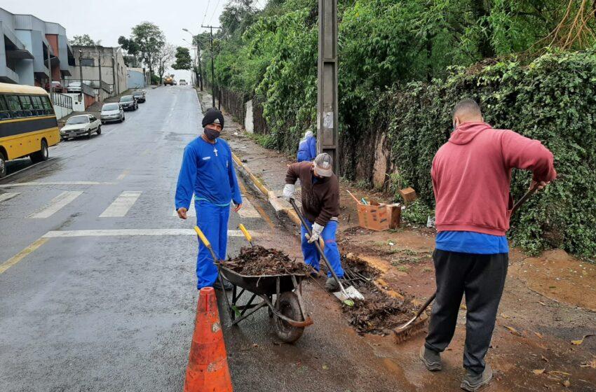 Com início de mês chuvoso, Município reforça trabalho das equipes de serviço público
