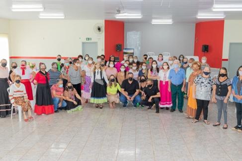 CAMBIRA – APMIF promove tarde festiva em ações ao Dia do Idoso