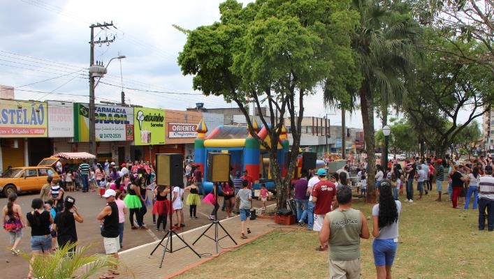 No Dia das Crianças haverá brincadeiras e personagens da Disney na Praça Manoel Teodoro da Rocha em Ivaiporã
