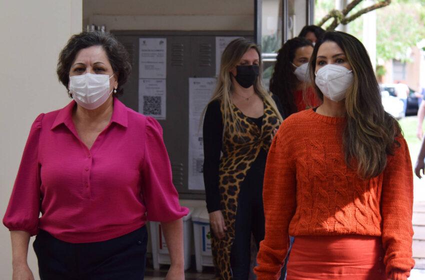 Saúde reforça ações da campanha Paraná Rosa em Londrina, no Norte do Estado