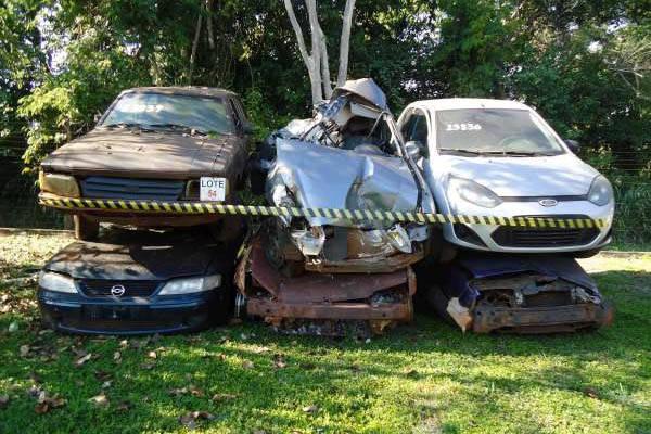 DER/PR realiza novo leilão de sucatas de veículos automotores dia 18 de outubro
